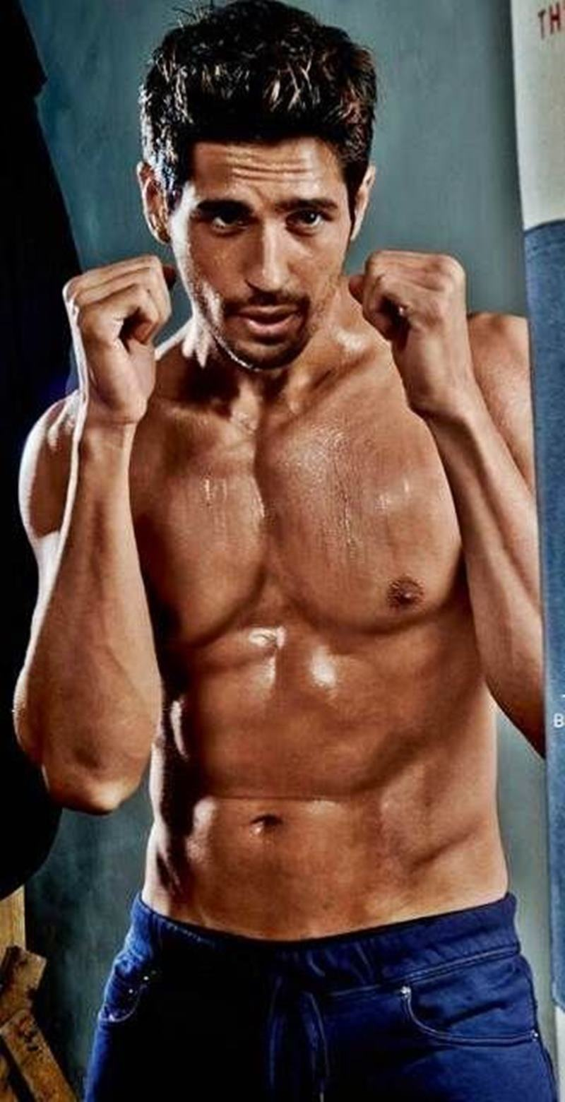 15 Hot Pics of Sidharth Malhotra that justify his hotness to some level- Sid box